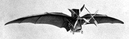 Eole en vol, (avion III, 1897) le premier avion à moteur avec ses allures de chauve-souris. Wikimedia Commons